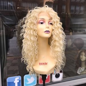 Accessories - Blonde Curly Wig Lacefront Freeparting swisslace